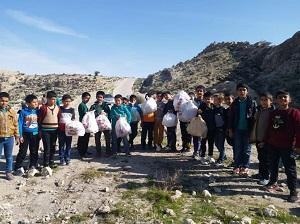 کودکان همیار طبیعت جنگل های قیروکارزین را پاکسازی کردند
